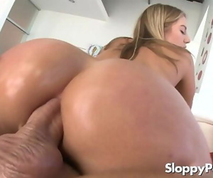 Hot anal cowgirl Candice..